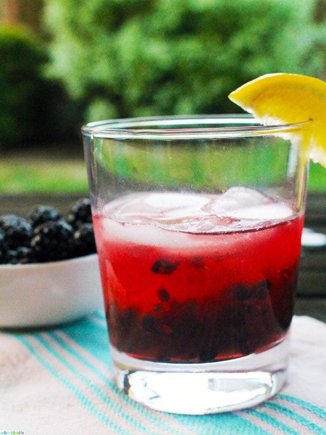 Oregon Blackberry Cider Crush cocktail recipe on UrbanBlissLife.com