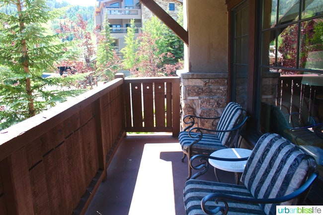 If you are traveling to Park City for skiing or summer adventures, the Chateau in Deer Valley, Utah is a relaxing getaway. Hotel review on UrbanBlissLife.com