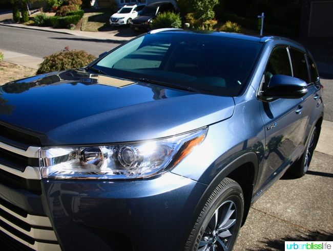 2017 Toyota Highlander Hybrid on UrbanBlissLife.com