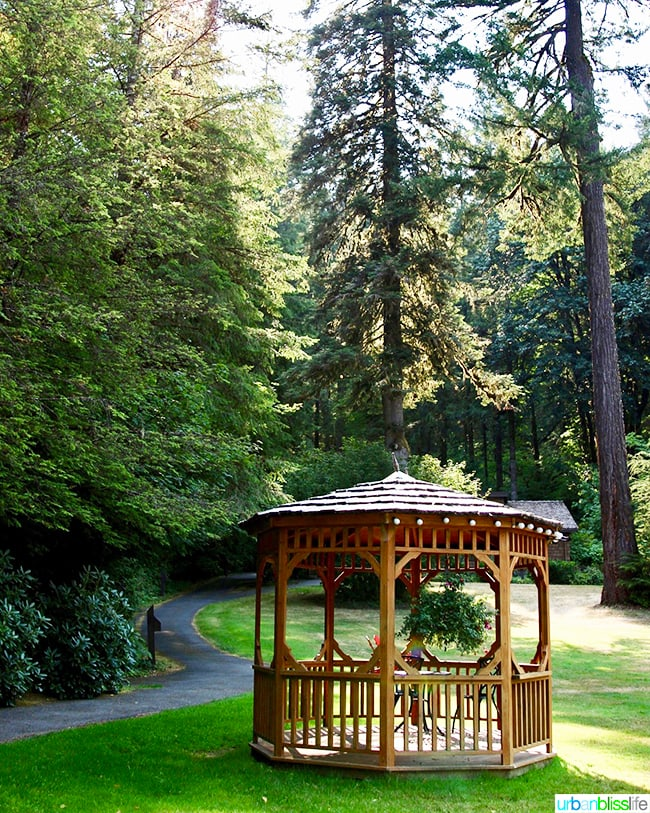 Silver Falls Lodge gazebo