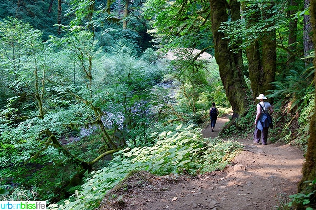 Amy Reyes Andrea Lee hiking at Silver Falls State Park