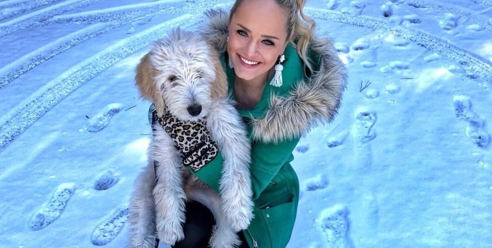 snow-day-atlanta-golden-doodle-puppy-urban-blonde-winter-fashion