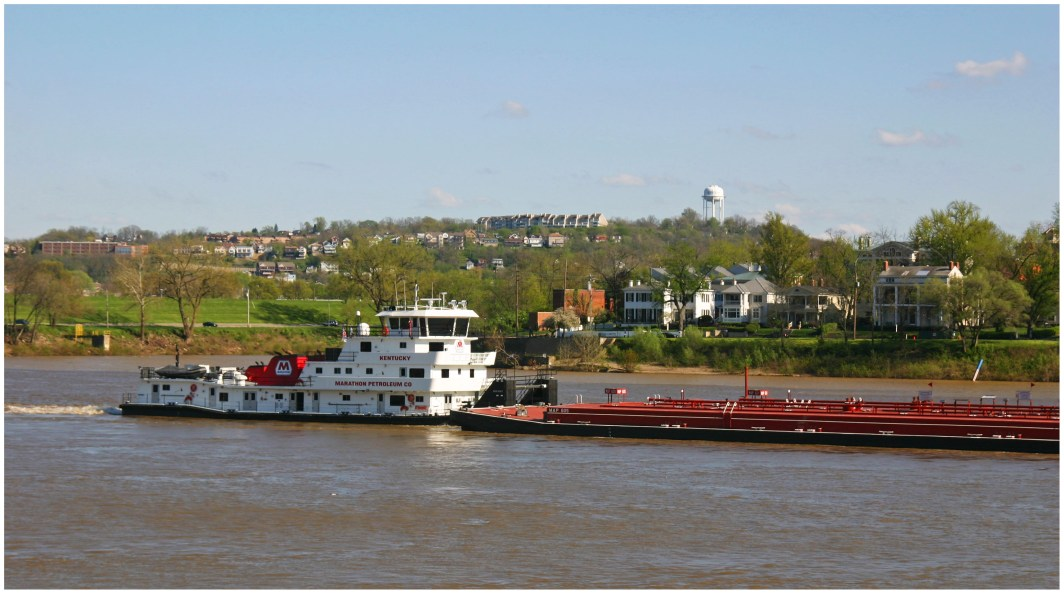 Shipping on the Ohio River [Randy A. Simes]