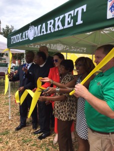 Evanston Farmstand Ribbon Cutting [Provided]