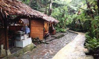 Kampung Daun Bandung – Restoran Keluarga Nuansa Alam di Lembang