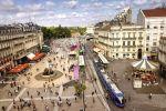 Un kilomètre de tramway coûte entre 25 et 30 millions d'euros : trois fois plus qu'une ligne de bus. Le tramway de Montpellier est passé de deux à quatre lignes cette année.