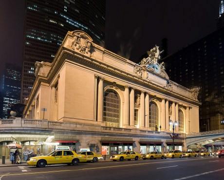 Vue de la gare de Grand Central de nuit, à New York. Crédits photo : Fcb981 / Wikimedia