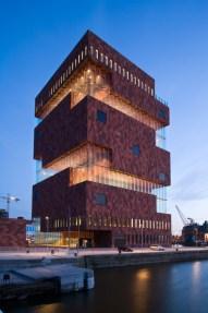 Le MAS à la tombée du jour ©Neuleings-Reidijk Architecten