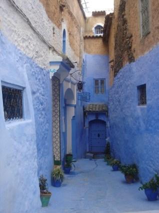 Une Impasse dans la médina de Chefchaouen au Maroc. Crédits Photos : Lamia Kadiri