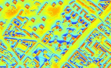 Capture d'écran du cadastre solaire parisien (en orange, les espaces les plus ensoleillés contrastes avec les espaces dans l'ombre en bleu)