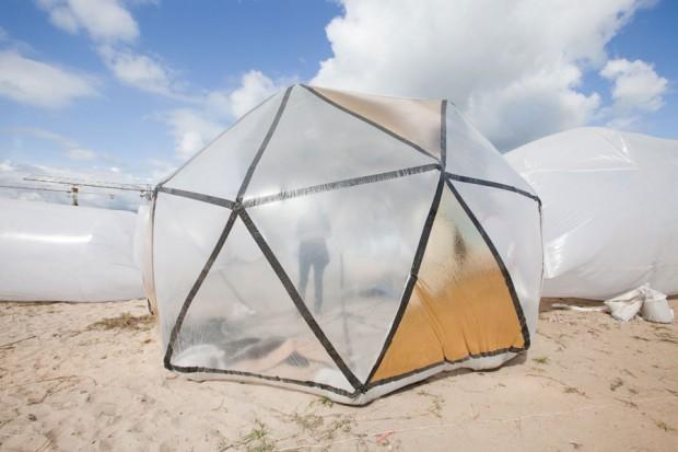 """Une installation gonflable du festival """"La ville en un souffle"""" en 2011. Crédit photo : Bellastock"""