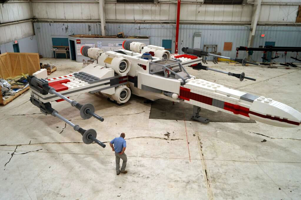 Et peut-être même un modèle de X-Wing grandeur nature ? !
