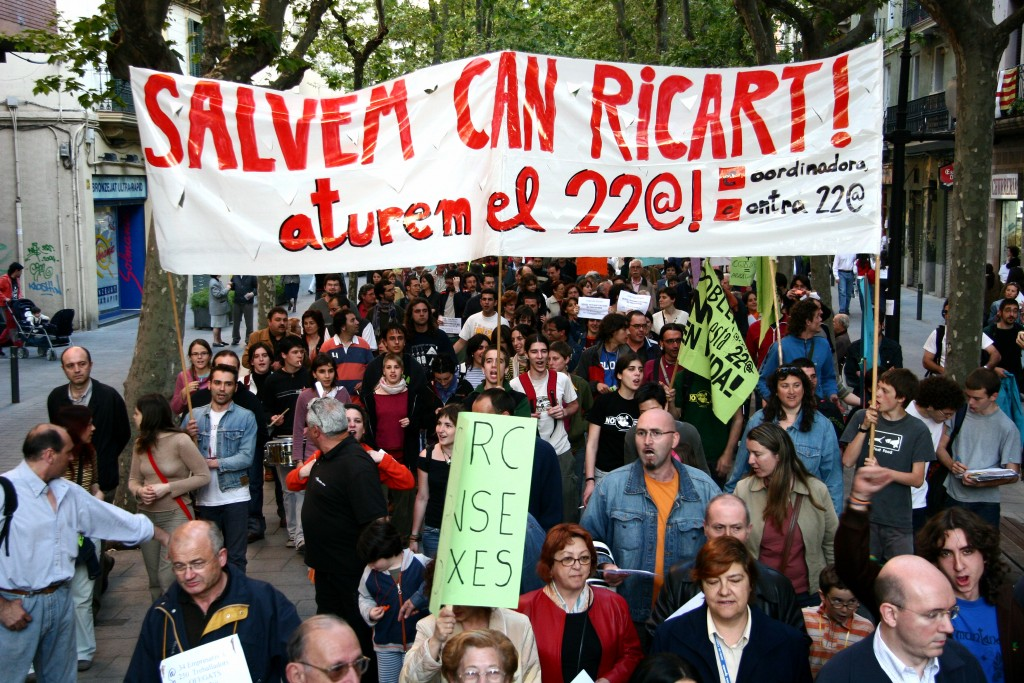 Manifestation du collectif «Salvem Can Ricart» contre le projet 22@ (source: lallacuna.org)
