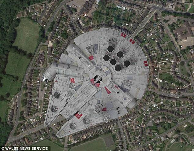 Un quartier en forme de Faucon Millenium au Pays de Galles ?