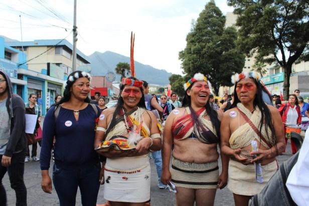 Représentantes indigènes dans la marche contre Habitat III à Quito, 17.10.2016