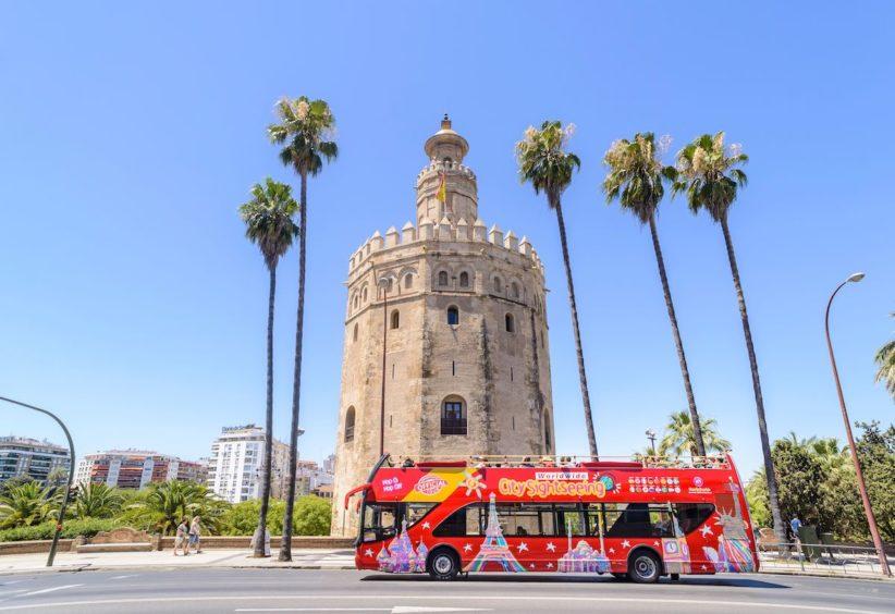 City Sightseeing ofrece 400 viajes gratuitos en Sevilla por su 20 aniversario