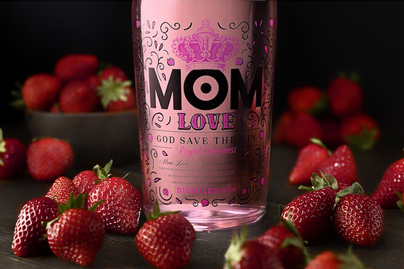 Mom Love, la ginebra rosa con aroma y sabor a fresas de González Byass