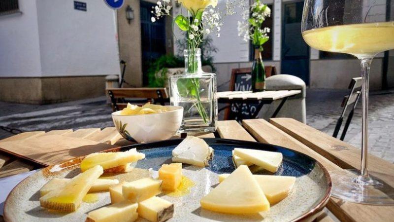 Flor de Sal: el renovado rincón de vinos y catas de André Salla en Sevilla