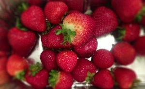Find strawberries at the peak of ripeness.  Avoid fruit that is overly ripe as the jam won't taste good.