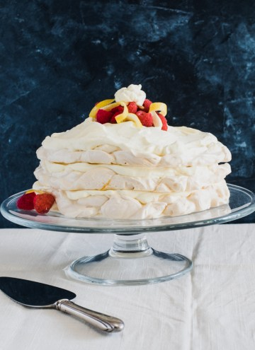 Meringue Tort with Lemon Cream