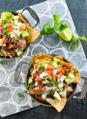 Cheesy Black Bean Nachos