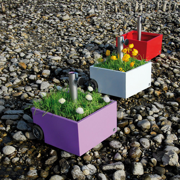 umbrella-stand-and-flower-pot-on-wheels