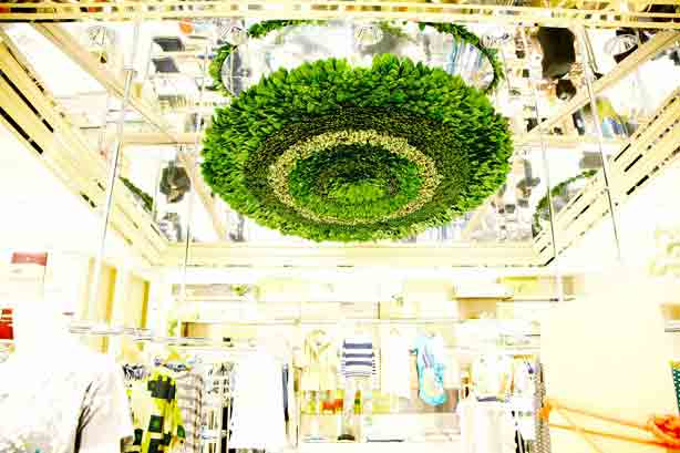 az-isetan-shinjuku-ceiling