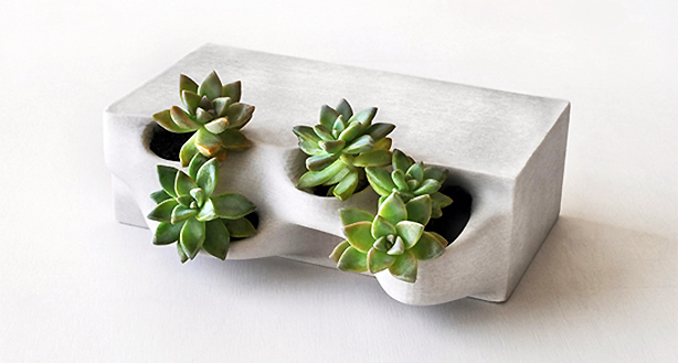 PlanterBrick_w_Plants_LR_OW