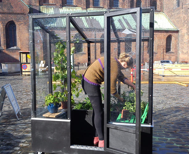 urban-green-house-urbangardensweb