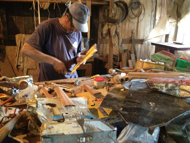 recycled-orchestra-making-the-instruments