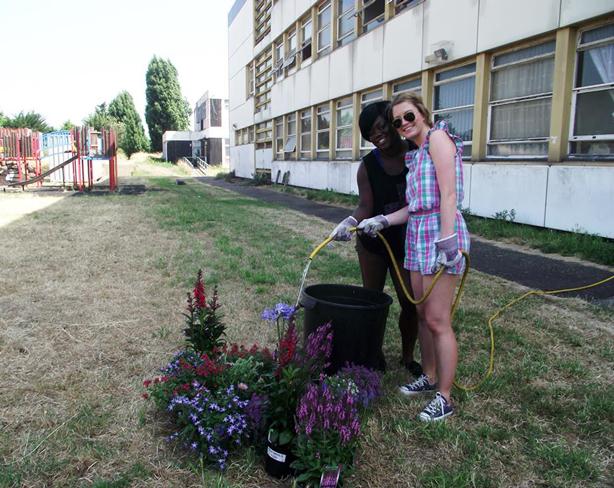 global-garden-selby-trust-volunteers
