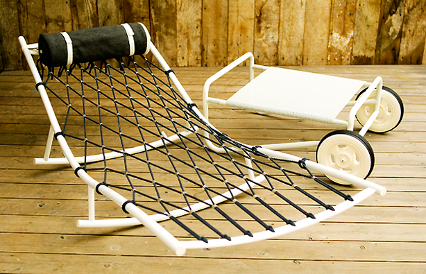 moccor_hammock-chaise-separate-table