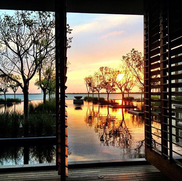 nizuk-resort-evening-sunset-urbangardensweb