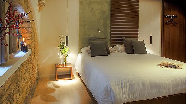 llegendes-hotel-room