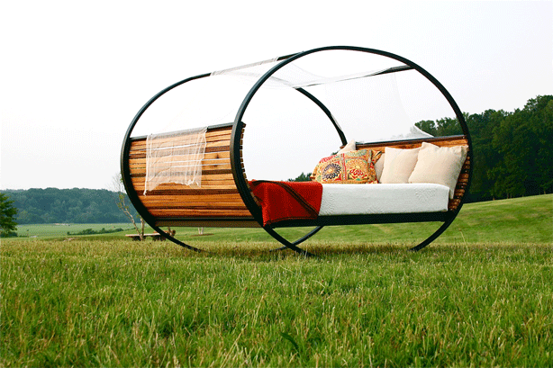 Mood_Rocking_Bed_by_Shiner-using-recycled-materials
