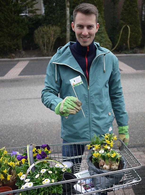 dutch-guerrilla-gardening-by-bicycle-guerrilla-gardens-mathieu