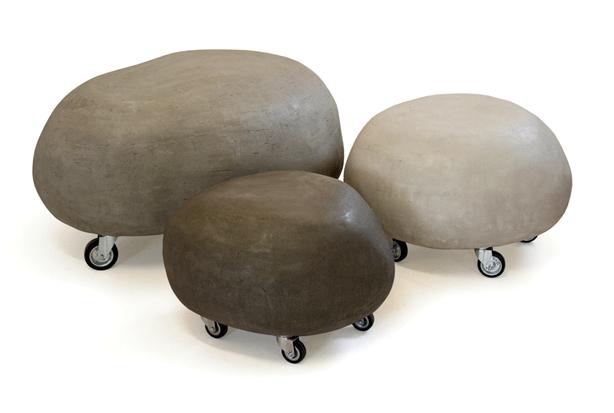 sassi-con-ruote-stones-seats-on-castors