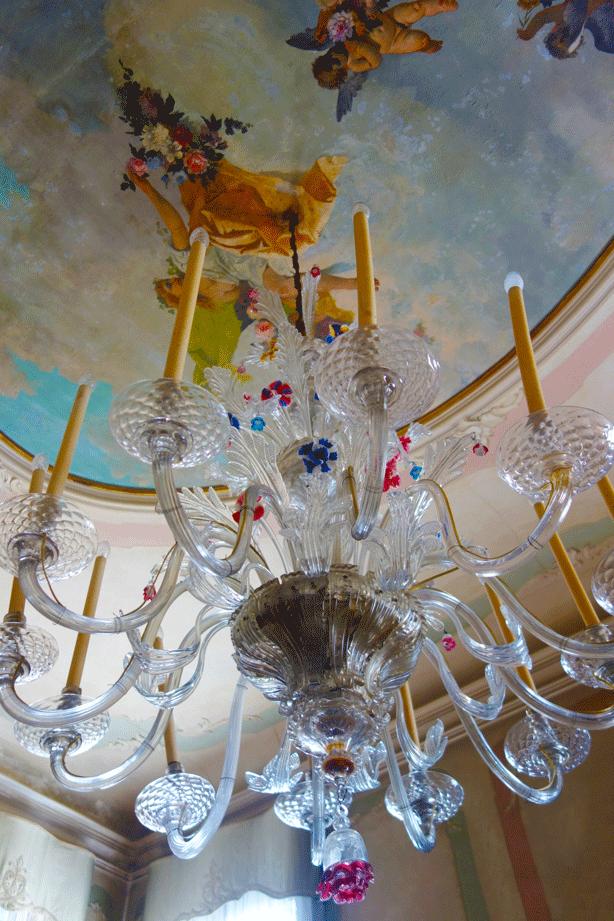 chandelier-library-pallazzo-barnabo-614