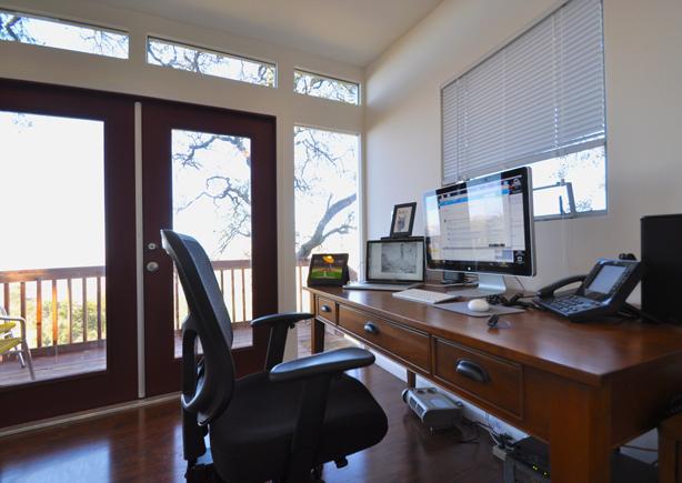 studioshed-home-office-interior-desk