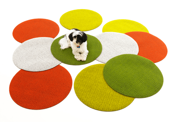 CHILEWICH_SHAG-INDOOR-OUTDOOR-MATS-IN-CITRON-GREEN-ORANGE-WHITE-DOT_2