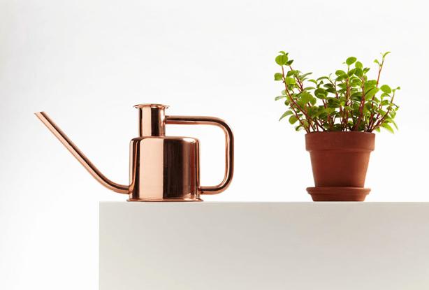 kontextur3-watering-can-copper-ambiente-2015