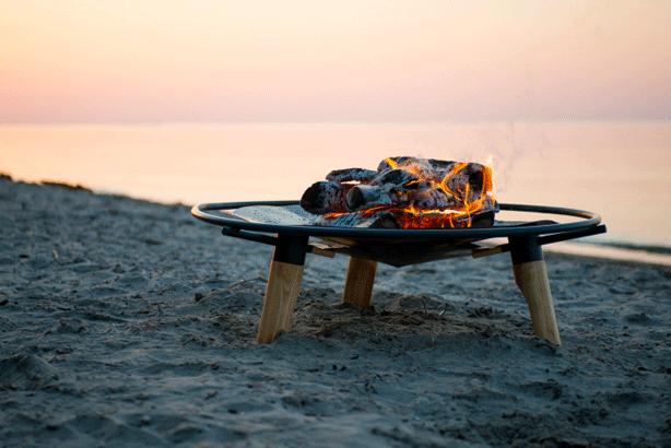 braet-fireplace-beach