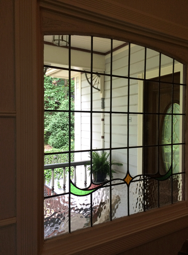 arsenic-and-old-lace-inn-eureka-springs-stained-glass