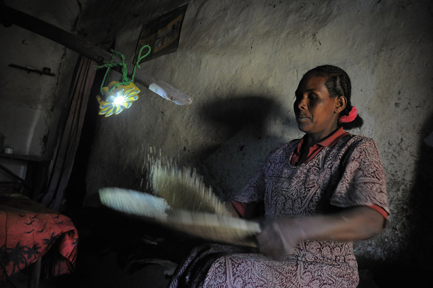 little-sun-solar-lamp-off-grid2