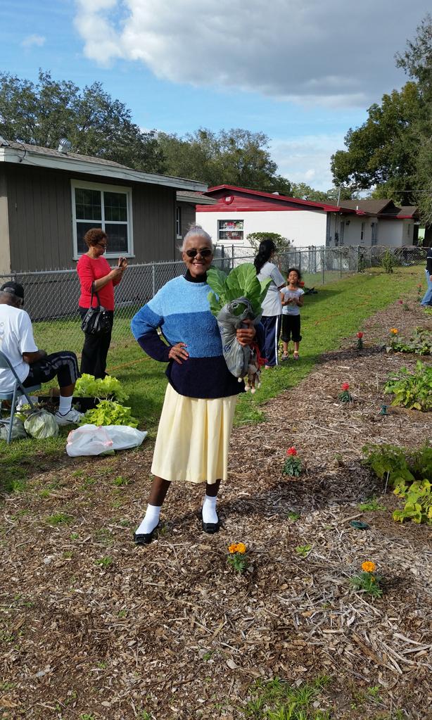 fiskars_project_orange_thumb_grant_gardeners_female_urbangardensweb