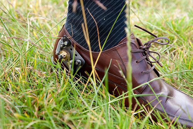 vanessa-harden-guerilla-gardening-shoe_urbangardensweb_614
