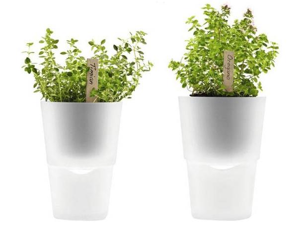 self-watering_planter