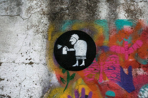 grafitti-grandmas-lisbon-tag