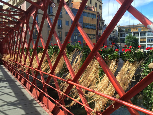 temps-de-flors-eiffel-bridge-length-planted-urbangardensweb