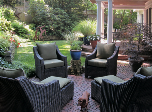 Connecticut-house-and-garden-brick-patio-makeover-robin-plaskoff-horton-urbangardensweb